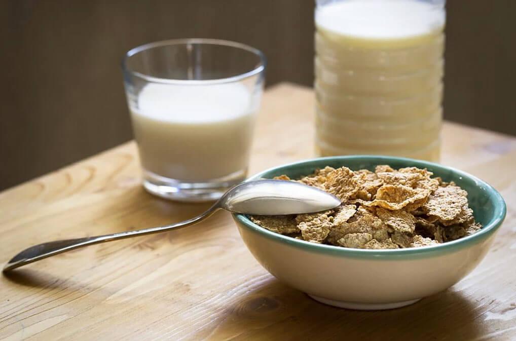 Healthy evening snacks for a good night's sleep